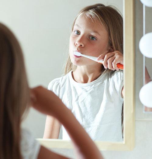 Cepillado frente al espejo